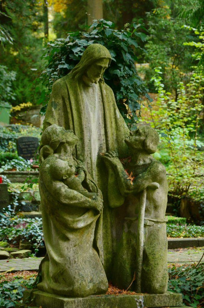 sculpture-1012009_1920